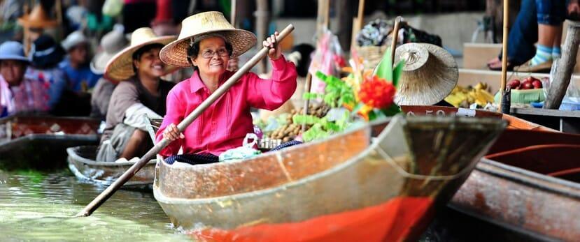 Wat Sai floating market Bangkok