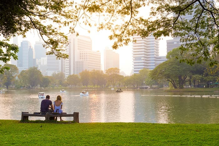 Couple in Lumpini Park in Bangkok