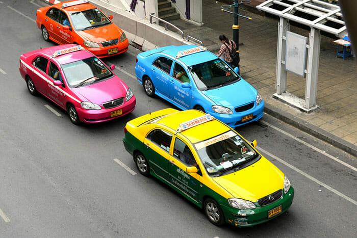 バンコク中心街のタクシー