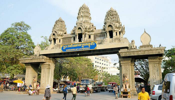 ポイペトでカンボジアに入国