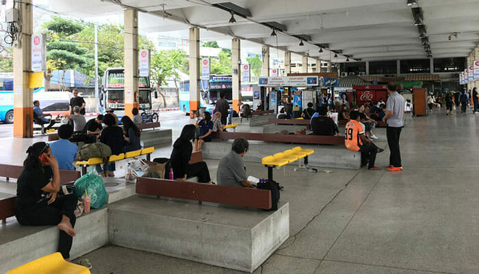 バンコク東部バスターミナル、エッカマイBTS駅から徒歩2分