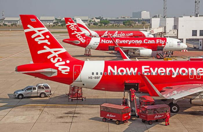 ドンムアン空港バンコクのエアアジアの飛行機