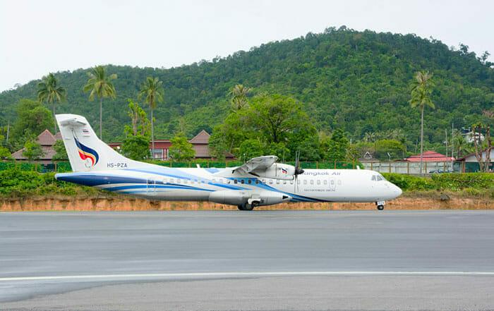 サムイ島空港のバンコク航空の飛行機