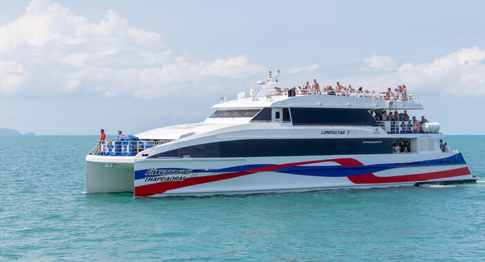 Lomprayah high speed catamaran on its way to Surat Thai to Koh Samui