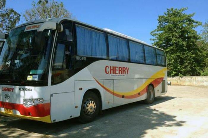 プエルトプリンセサからエルニドへのバス