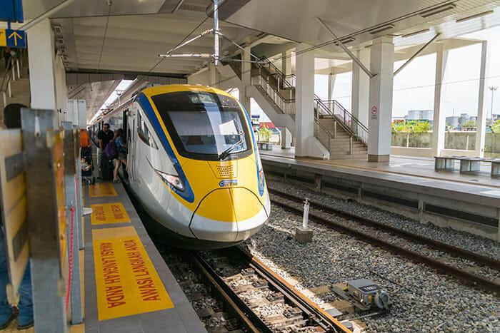 列車でクアラルンプールからペナンへ