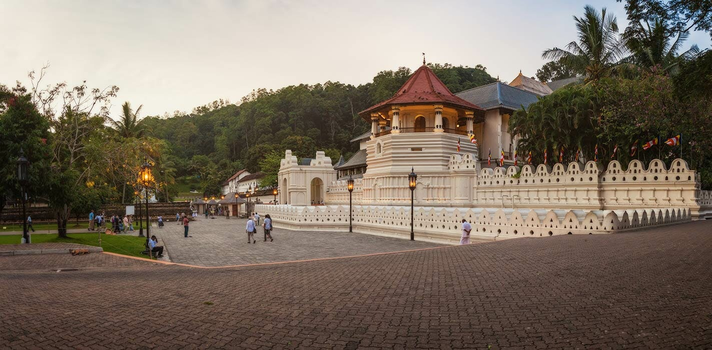 Colombo to Kandy - Should you go by Taxi or Train? (2019)