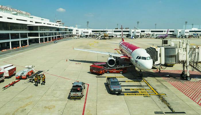 방콕에서 프놈펜까지 비행기로 이동