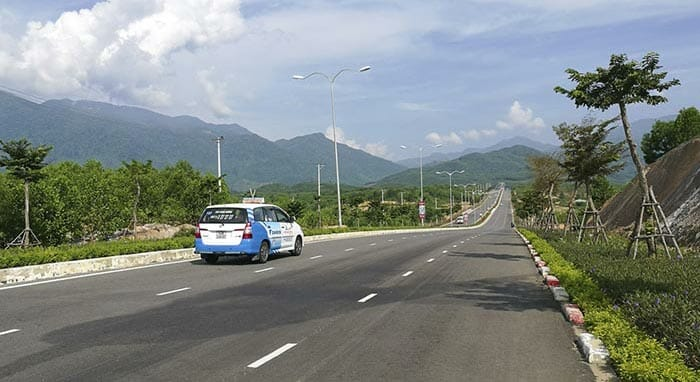 From Hue to Hoi An by Taxi