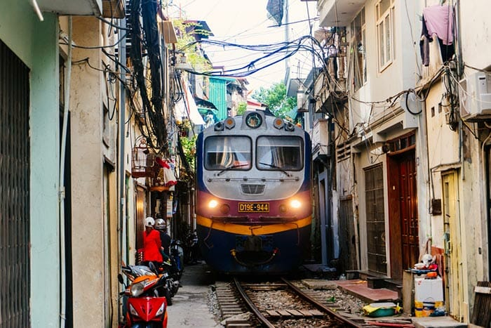 Options to travel from Hanoi to Hue