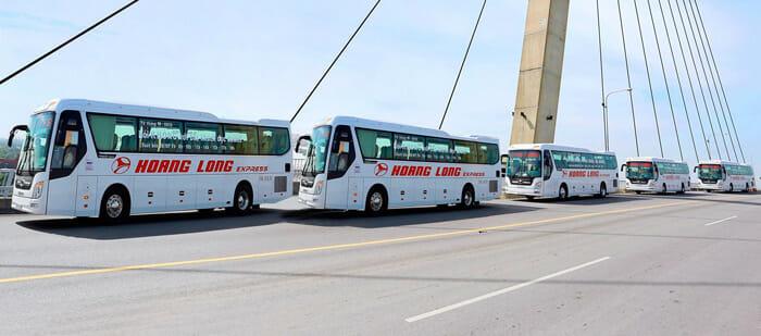 バスとフェリーでハノイからカットバへ