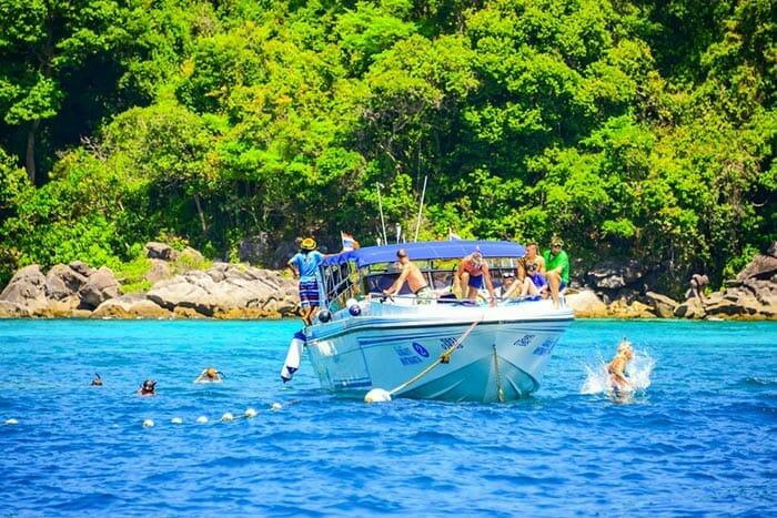 クラビからピピ島へのスピードボート