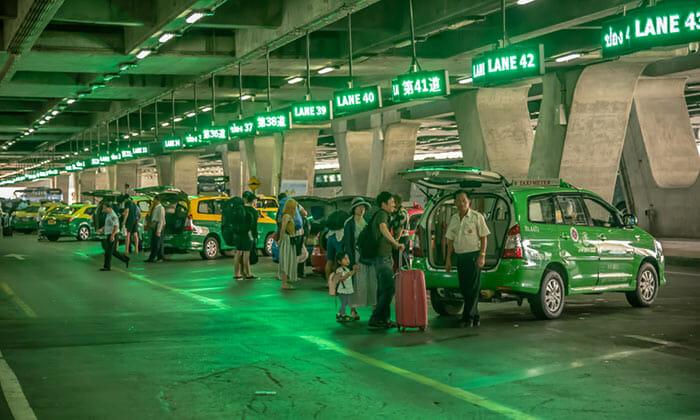 タクシーでスワンナプーム空港からパタヤへ