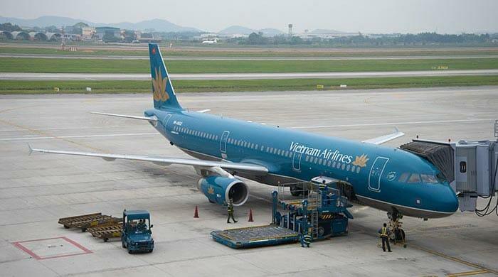 Flight from Vientiane to Hanoi