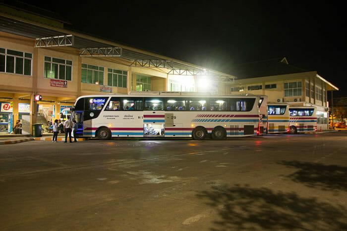 バスでアユタヤからチェンマイへ