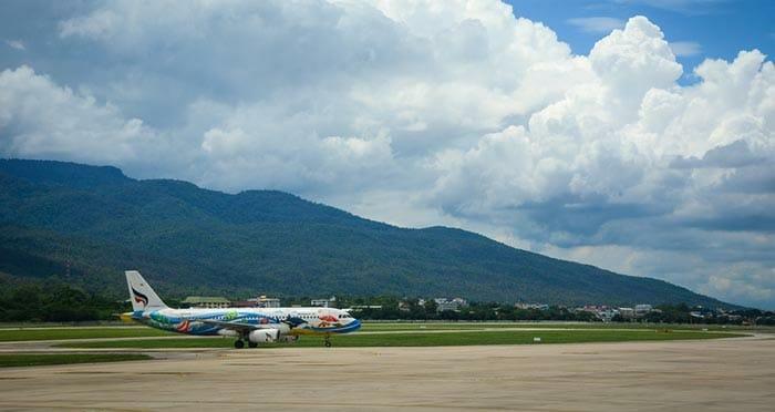飛行機でチェンマイからバンコクへ
