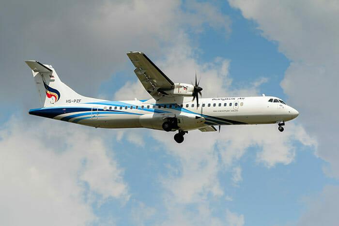 飛行機でバンコクからスコータイへ