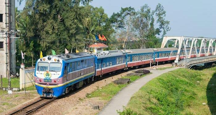Train from Ninh Binh to Hue