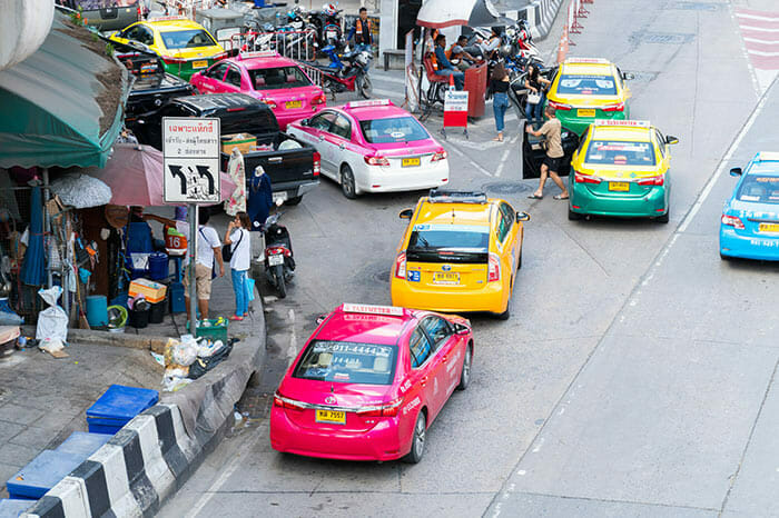 タクシーでバンコクからカオラックまで