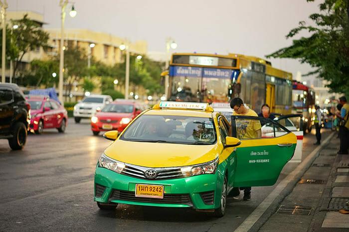 プライベートタクシーでバンコクからラノーンへ
