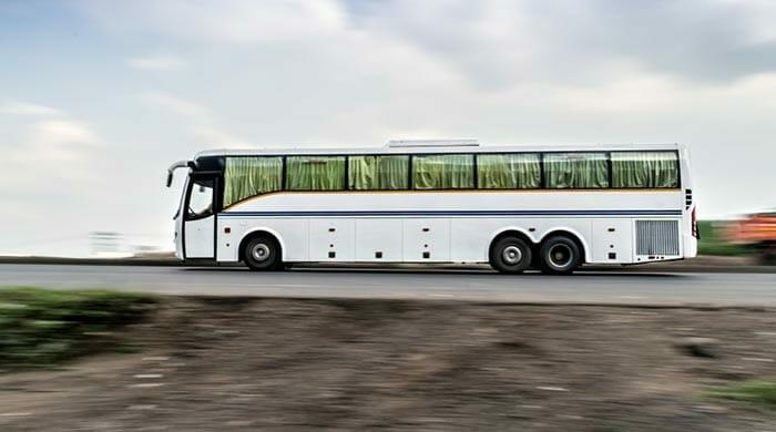 バスでアーグラからジャイプールへ