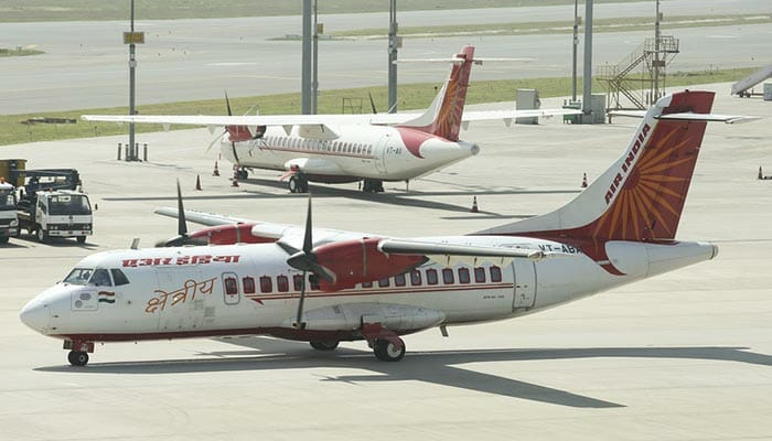 飛行機でアーグラからジャイプールへ