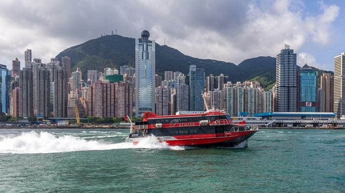 홍콩에서 마카오까지 페리로 이동