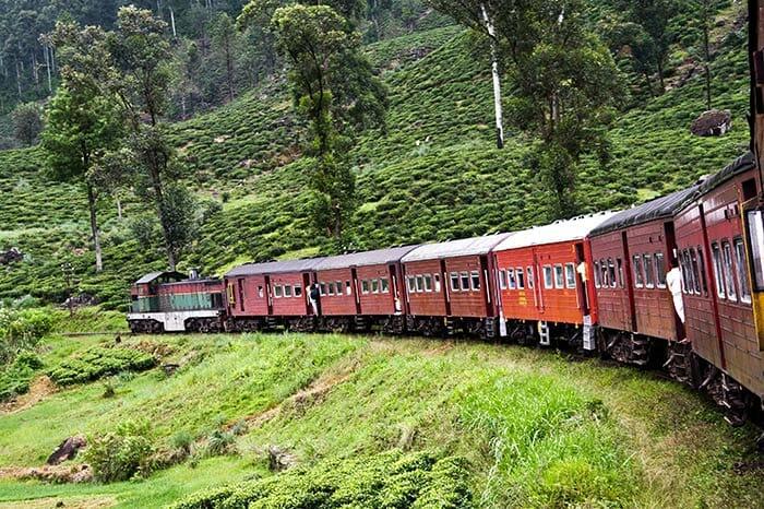 列車でコロンボからトリンコマリーへ