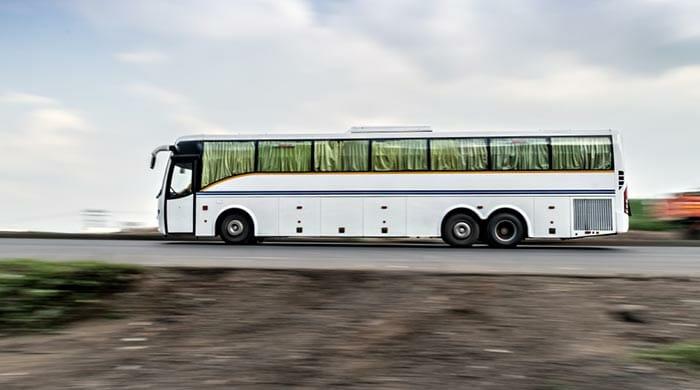 バスでデリーからウッタラーカンド州へ