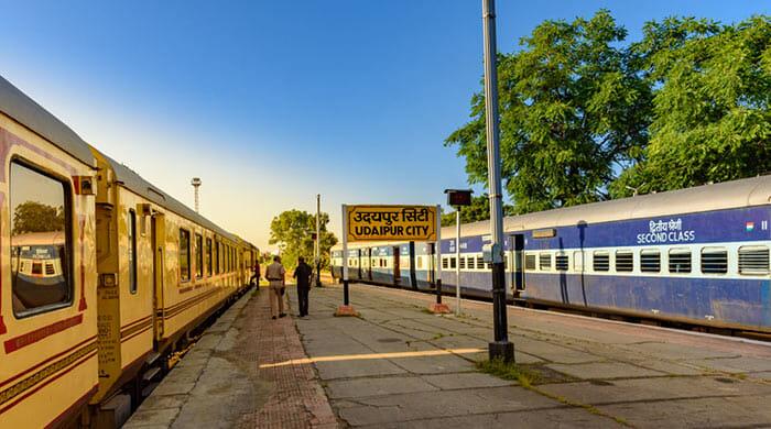 列車でジャイプールからウダイプールへ