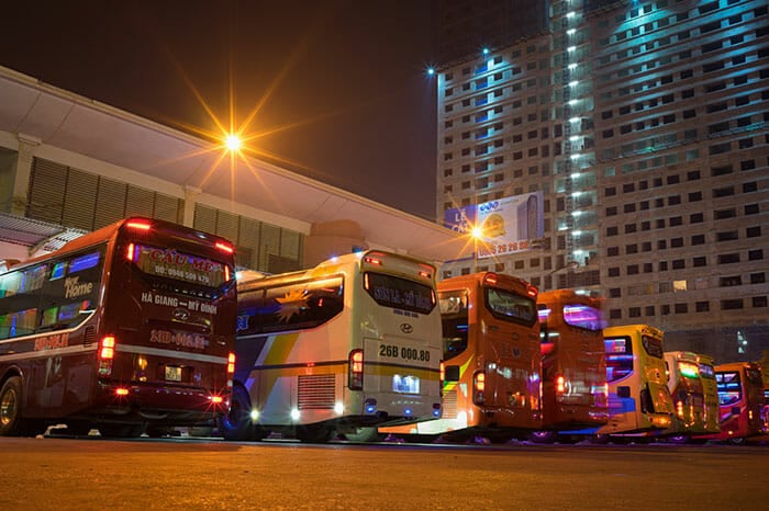 Более дешевый автобус, следующий в бухту Халонг