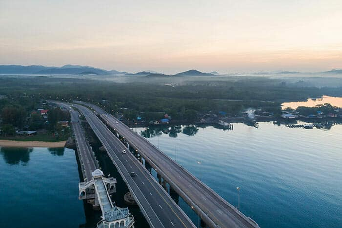 Какими способами можно добраться из Чиангмая на Пхукет?