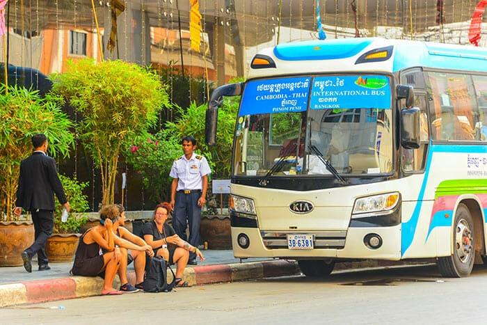 프놈펜에서 씨엠립 버스로 이동