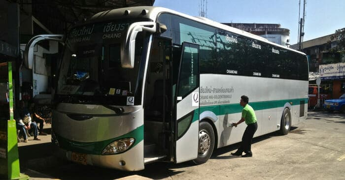 치앙마이에서 치앙라이로 가는 버스