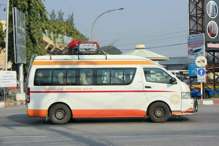 치앙마이에서 치앙라이로 가는 프라이빗 교통편 혹은 미니버스