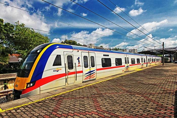 싱가포르에서 쿠알라 룸푸르 기차로 이동