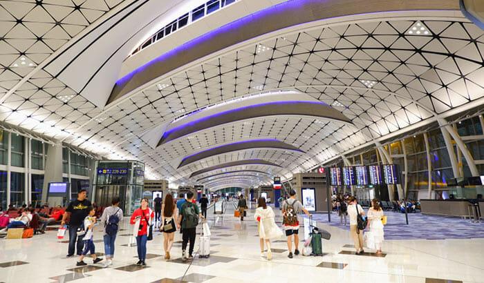 홍콩에서 광저우 비행기로 이동