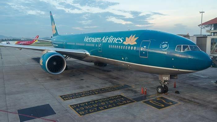 하노이에서 호이안 비행기로 이동