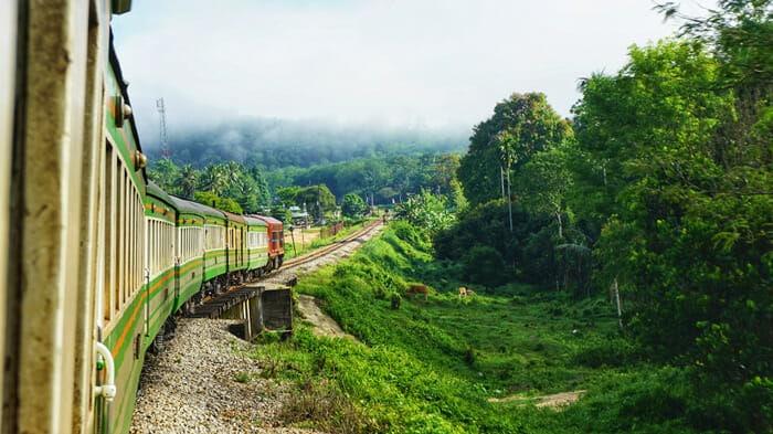 치앙마이에서 코사무이 버스, 기차와 페리로 이동