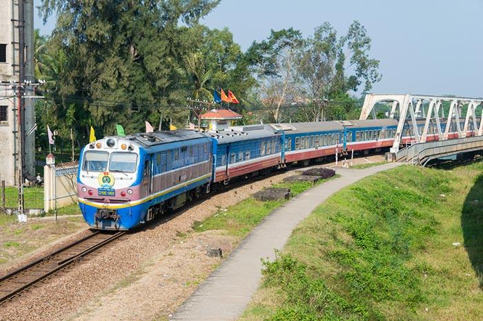 하노이에서 후에 기차로 이동