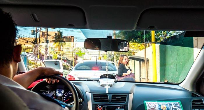 마닐라에서 삼발레스 택시로 이동