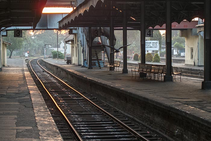 콜롬보에서 자프나 기차로 이동