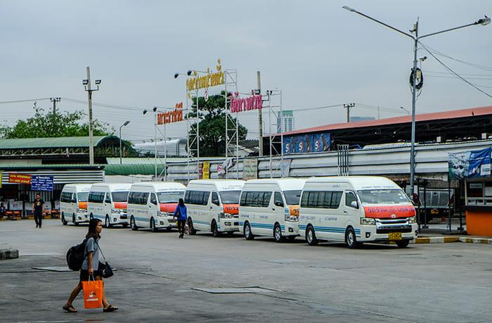 방콕에서 수코타이 밴으로 이동