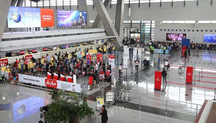 마닐라에서 카가얀데오로 비행기로 이동