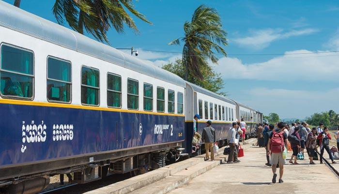 프놈펜에서 캄폿 기차로 이동