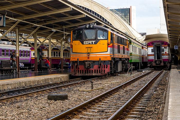 방콕에서 춤폰 기차로 이동