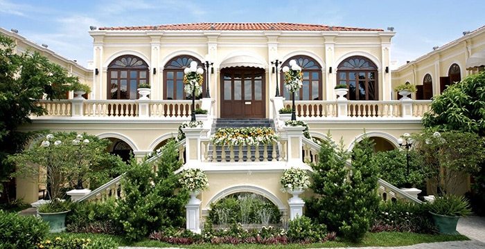 Private 15 bedrooms Mansion