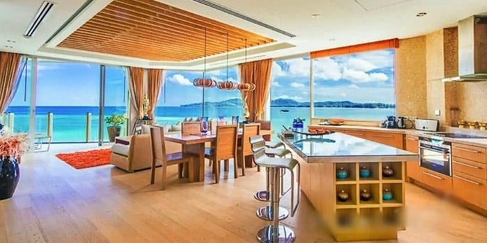 Luxurious 2-bedroom Beachfront Penthouse
